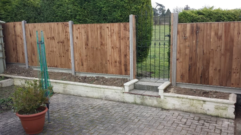 Fencing companies and installers kent medway chatham for Garden decking maidstone